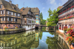 La Petite France in Straßburg (john_berg5) Tags: strasburg europa france la petite city reflection color sky blue fachwerkhäuser fachwerk summer sommer