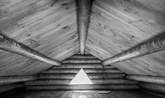The Log Cabin (jtr27) Tags: dscf7779xl jtr27 fuji fujifilm xe2s xe2 xtrans xf 1855mm f284 rlmois lm ois kitlens kitzoom log cabin interior wideangle hike hiking whitemountains newhampshire nh newengland