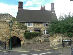 32259 (benbobjr) Tags: lincoln lincolnshire midlands eastmidlands england english uk unitedkingdom gb greatbritain britain british newportarchcottage gradeilisted gradeilistedbuilding house home cottage roman romandefensivewall godfreyandanon rosscollection