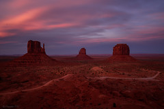Monument Valley (pn.praveen) Tags: monumentvalley navajoland arizona arizonapassages merrickbutte mittens sunset dusk sandstone southwest americansouthwest