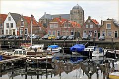 Veere, Walcheren, Zeelande, Nederland (claude lina) Tags: claudelina nederland paysbas hollande zeeland zélande veere église church maisons houses architecture bateaux boats port haven
