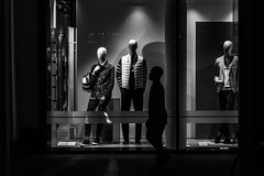 No eyes at all! / Meeting at the window (Özgür Gürgey) Tags: 2018 24120mm alsterarkaden bw d750 hamburg mannequin nikon evening lowlight people shopwindow silhouette street photingo