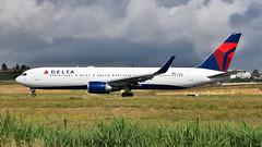 Boeing 767-300ER I N1602 I Delta Airlines (Gustavo H. Braga) Tags: delta aviation airplanes airport aviação aviacao aviao aeronaves aeroporto boeing b767