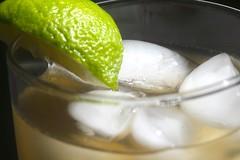 Iced Green Tea (-SOLO--) Tags: icedtea lime refreshing macromondays ice greentea 7dwf