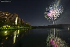 JSM_5812fireworks02july2018worc2jsm (JayEssEmm) Tags: july 4th celebration fireworks night worcester ma massachusetts bell pond laowa 12mm