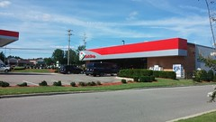(Likely now-former) KwikShop (Retail Retell) Tags: lakeland tn kroger former schnucks architecture exterior design picture window us hwy 64 2011 relocation 2012 bountiful décor remodel expansion 2013 shelby county retail