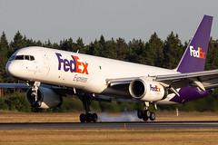 N913FD Boeing 757-28A(SF) Federal Express (FedEx) (Andreas Eriksson - VstPic) Tags: n913fd boeing 75728asf federal express fedex