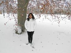 Mayuri och snön I (Linzen004) Tags: stockholmsuniversitet vinter snö statistiskainstitutionen