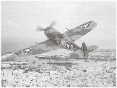 1:72 Supermarine Spitfire L.F. Mk.Xb (early); aircraft VF-Q/EP120 of the USAAF 5th FS (52nd FG, 12th AF); during Operation Torch, Northern Africa, November 1942 (Whif/modified Revell kit) (dizzyfugu) Tags: 172 supermarine spitfire mark mk 10 x v 5 taurus radial engine swap rhinoplasty desert casablanca morocco maroc 1942 allied invasion fighter whif whatif fictional aviation revell model kit modellbau dizzyfugu mid stone dark earth sky vfq