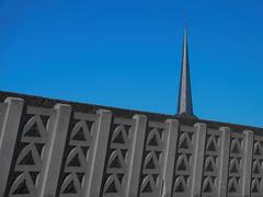 Clocher au loin (Loic Frere) Tags: ilce6300 sonya6300 sonyalpha6300 bâtiment extérieur e50mmf18oss sel50f18 église paysage clocher sony50mm