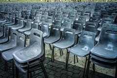 sedie vuote a San Pietro (la messa è finita, se ne sono andati in pace)4 (sergiogilleslacavalla) Tags: basilica san pietro vaticano sedie architettura