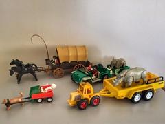My old Playmobil (sander_sloots) Tags: playmobil toys speelgoed old oud horses paarden neushoorn rhinoceros koets huifkar car auto jeep aanhanger trailer