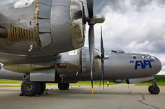 100A9877 (CdnAvSpotter) Tags: fifi b29 superfortress boeing airplane aviation warbird vintage wings gatineau airport cynd ynd canada ottawa commemorative air force caf airpowertour marshallers ground crew bomber