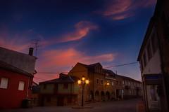La Plaza de la Picota (Gabriel Fr) Tags: plaza picota anochecer sanmigueldelasdueñas bierzo gabrielfdez