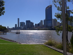 Brisbane CBD from the South Bank, early winter (tanetahi) Tags: brisbane winter 2018 southbank june 1williamstreet highrise tower block tanetahi