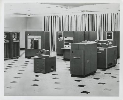IMB 650 Magnetic Drum Data Processing Machine