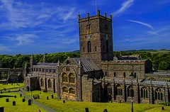 st davids cathedral (_tonidelong) Tags: st davids cathedral catedral old gothic gotico church anglican anglicana iglesia wales gales united kingdom summer verano reino unido great britain gran bretaña 2018 sun sunny soleado