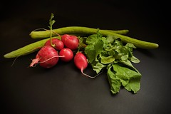 Verde y Rojo ..........  66vp (valorphoto.1) Tags: selecciónvp alimentos color natural composición vegetales naturalezasmuertas stilllife photodgv