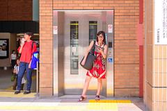 At the west entrance of Ebisu station : 恵比寿駅西口にて (Dakiny) Tags: 2018 summer july japan tokyo shibuya shibuyaward ebisu station ebisustation city street people portrait woman girl nikon d750 tamron 35mm f18 tamronsp35mmf18divcusd tamronsp35mmf18divcusdmodelf012 sp35mmf18divcusd sp35mmf18divcusdmodelf012 modelf012