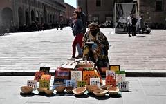 Street art (magellano) Tags: bologna italia italy via street rizzoli candid uomo man arte art painting venditore seller quadro