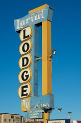 Lariat Lodge (dangr.dave) Tags: gallup nm newmexico downtown historic architecture route66 motel lariatlodge neon neonsign