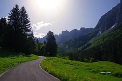 Anima montana (stefano.chiarato) Tags: montagne mountains strada anima sole sun prati valle valdiscalve bergamo lombardia italy pentax paesaggio landscape natura pentaxk70 pentaxart