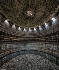 Under the dome (LaR0b) Tags: ue urban urbex exploration exploring decay abandoned lar0b lost hdr highdynamicrange gasometer inside industry metal rusty rust ceiling