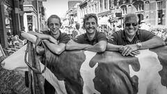 Plastic cow-boys (Ramireziblog) Tags: cow koe de toren kampen street portrait plastic traditie canon 6d friends vrienden hanzestad