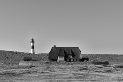Lighthouse Sylt East (g_heyde) Tags: lighthousesylteast leuchtturm dune düne thatchedroof house sylt island northsea reetdach nordsee mmonochrom