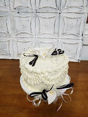 20180628_100205 (backhomebakerytx) Tags: back home bakery backhomebakery anniversary cake vintage topper sweet calla lily flowers drapes old time