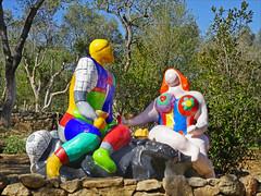 Le Choix  (Le Jardin des Tarots de Niki de Saint Phalle à Capalbio, Italie) (dalbera) Tags: jardindestarots dalbera nikidesaintphalle capalbio italie italia italy artcontemporain tarots couple