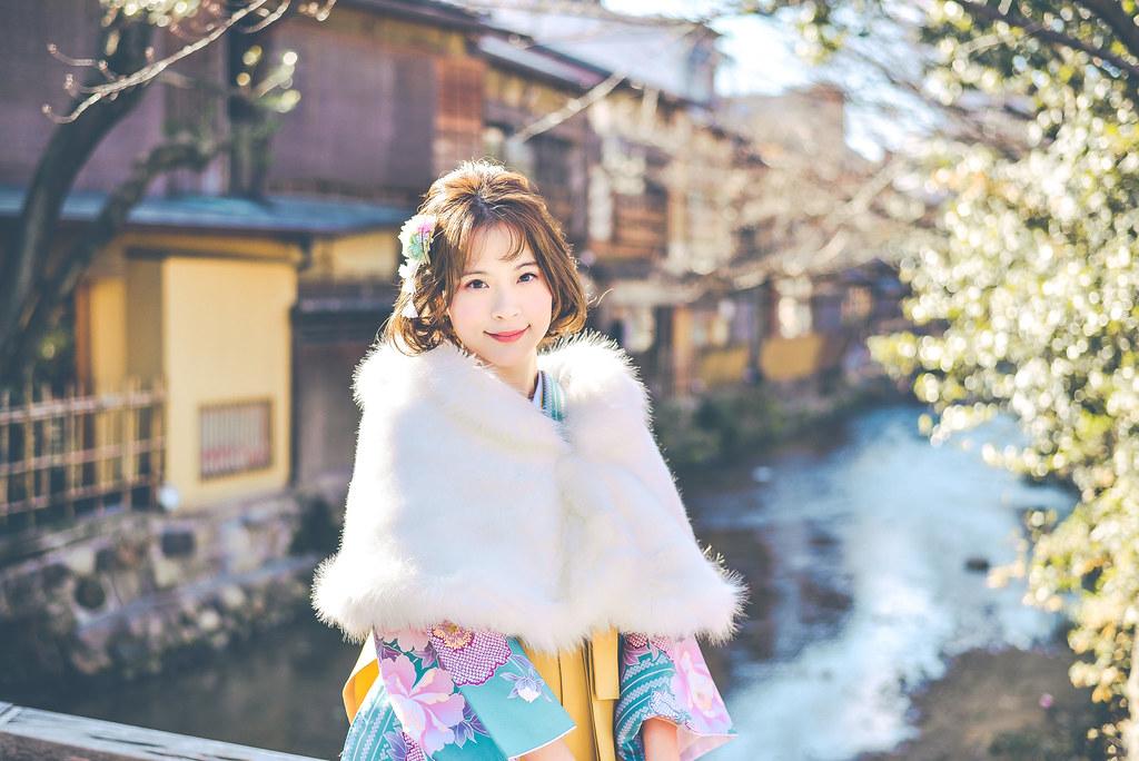 walking around kyoto in kimono-1-18