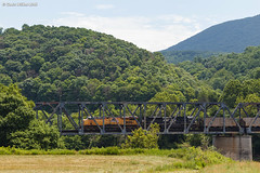 Changeover (nrvtrains) Tags: narrows unionpacific bridge load coal whitethornedistrict norfolksouthern 768 virginia unitedstates us