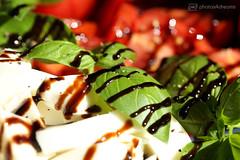 caprese a la casa (photos4dreams) Tags: insalata caprese tomaten mozzarella tomatoes pomodori photos4dreams p4d photos4dreamz salat abendessen meal basilikum balsamico olivenöl olio basilicum basil