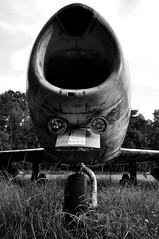Flugzeugnase / Aeroplan-nose (Lichtabfall) Tags: flugzeug einfarbig blackwhite blackandwhite monochrome schwarzweiss heist sw bw monochrom plane aeroplane