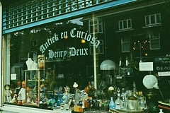 (Selin_S) Tags: delft netherlands store way window walk reflection road retro view vintage vibe visual vase daily decoration dream decorate old capture cute color colorful city calm shop second hand antique fujifilm fujifilmxt1 moment morning outdoor glass lovely light look life europe