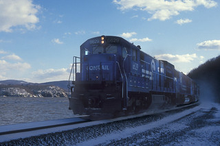 CR C30-7 6629, SD406336, NS,  north bound at vWest Point NY, Dec 1993