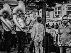 Heppenheim Small Talk (michaelhertel) Tags: heppenheim sw bw monochrome people street fest weinfest orchester germany deutschland