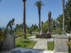 Korfoe, mei 2018 (Okke Groot - in tekst en beeld) Tags: standbeelden sculpturen achilleion korfoe tuinen paleizen gastouri griekenland
