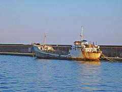 18063000975battello (coundown) Tags: genova battello porco panorama scorci barca barche navi lanterna spiagge viste pilota pilot