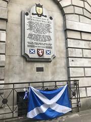 William Wallace memorial (Nina A. J. G.) Tags: london smithfield williamwallace ec1 farringdon cityoflondon execution scottishflag saltire memorial