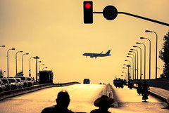 (Rob-Shanghai) Tags: shanghai hongqiao airport people plane landing china city rx10 sony road