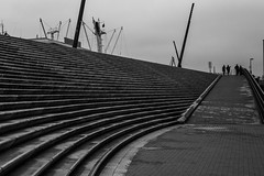counting the lines / people on the horizon (Özgür Gürgey) Tags: 2017 50mm baumwall d750 hafen hamburg nikon architecture evening lines lowlight steps germany