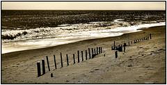 Dopo la mareggiata... (gianclaudio.curia) Tags: blackwhite bianconero seppia mare onde nikon d5200 nikkor1685 calabria innamoramento