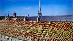 Vue aérienne de la toiture en tuiles vernissées. (Françoise et Gérard) Tags: bourgogne burgundy beaune hospices hospicesdebeaune guygonedesalins