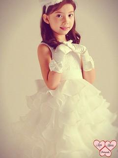 charme en soie 1 😇 #StudioPhotography #Children #ChildrenPhotography #Childhood #Child #Girl #GirlModel #KidFashion #Dress #Satin #OperaGloves #Princess #Angel #Tiara #Adorable