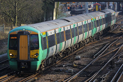 377107, Gatwick Airport, April 7th 2015 (Southsea_Matt) Tags: 377107 class377 electrostar bombardier southernrailway govia goahead gatwickairport sussex england unitedkingdom train railway railroad emu electricmultipleunit canon 60d 70200mm april 2015 spring vehicle publictransport passengertravel