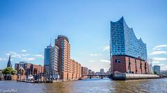 Elbphilarmonie - Hamburg (patuffel) Tags: summicron leica 28mm hamburg hafen harbour speicherstadt elbphilarmonie elbi sandtorhöft city concert hall