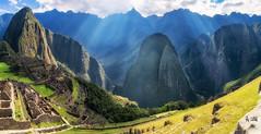2018 The light rain over Machu Picchu (jeho75) Tags: sony ilce 7m2 zeiss peru south america südamerika anden machu picchu light licht rays sonnenstrahlen sunbeams impression power nature landscape
