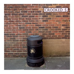 41 (trash can) (ngbrx) Tags: chichester westsussex southeastengland greatbritain england great grossbritannien britain trash can crooked schief mülleimer uk united kingdom wall wand